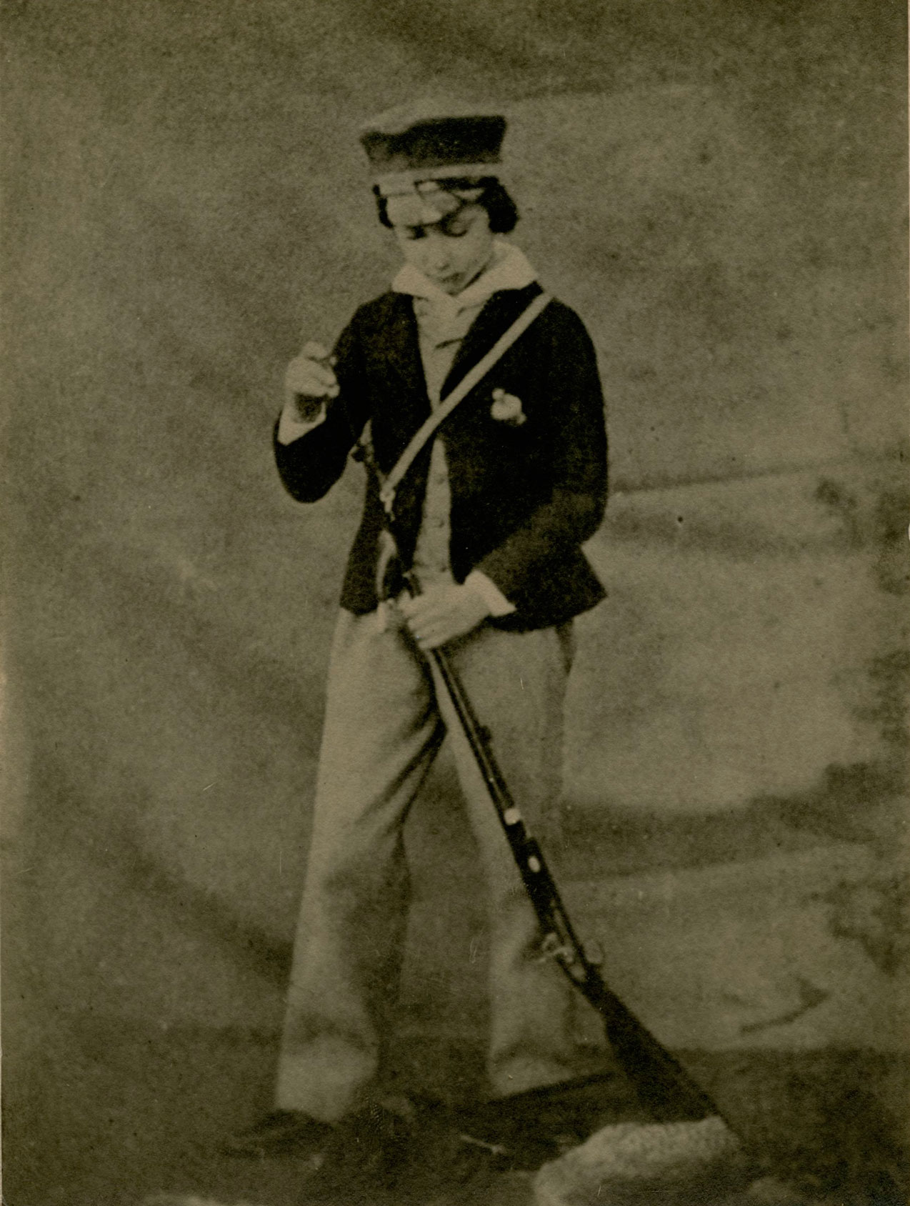 Prince-of-Wales-with-1st-gun