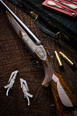 Westley Richards .700/.577 Our largest droplock double rifle,..... to date.