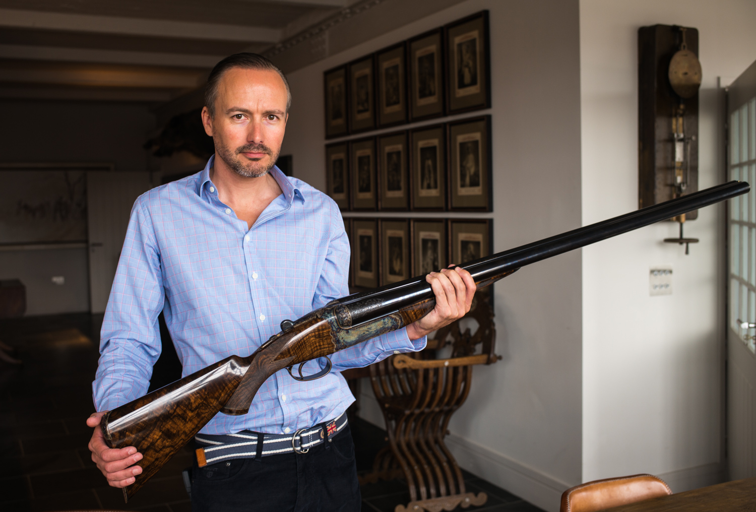 Anthony 'Trigger' Tregear with the 4 bore gun.