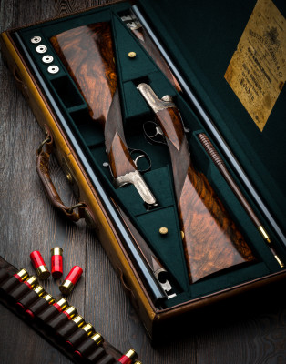 A Pair of Westley Richards Lightweight, 12g, Single Selective Trigger, Droplock Game Guns.