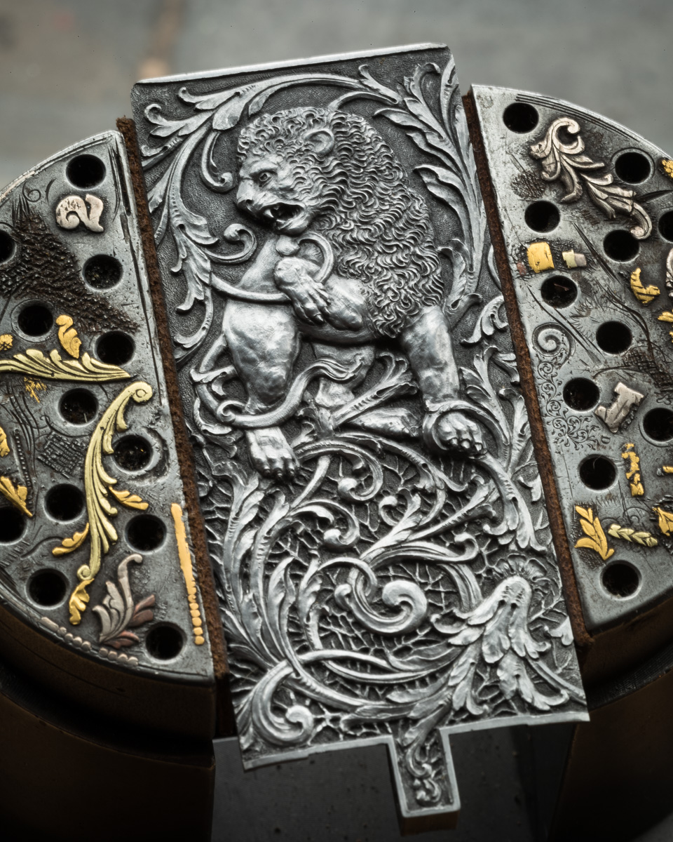 Cover plate by Lantuch of .500 Westley Richards.