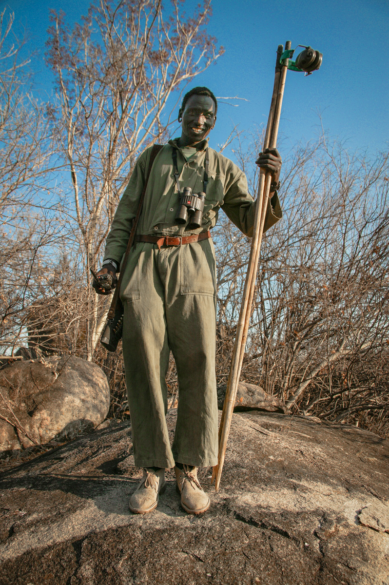 Lekini a tracker with the shooting sticks