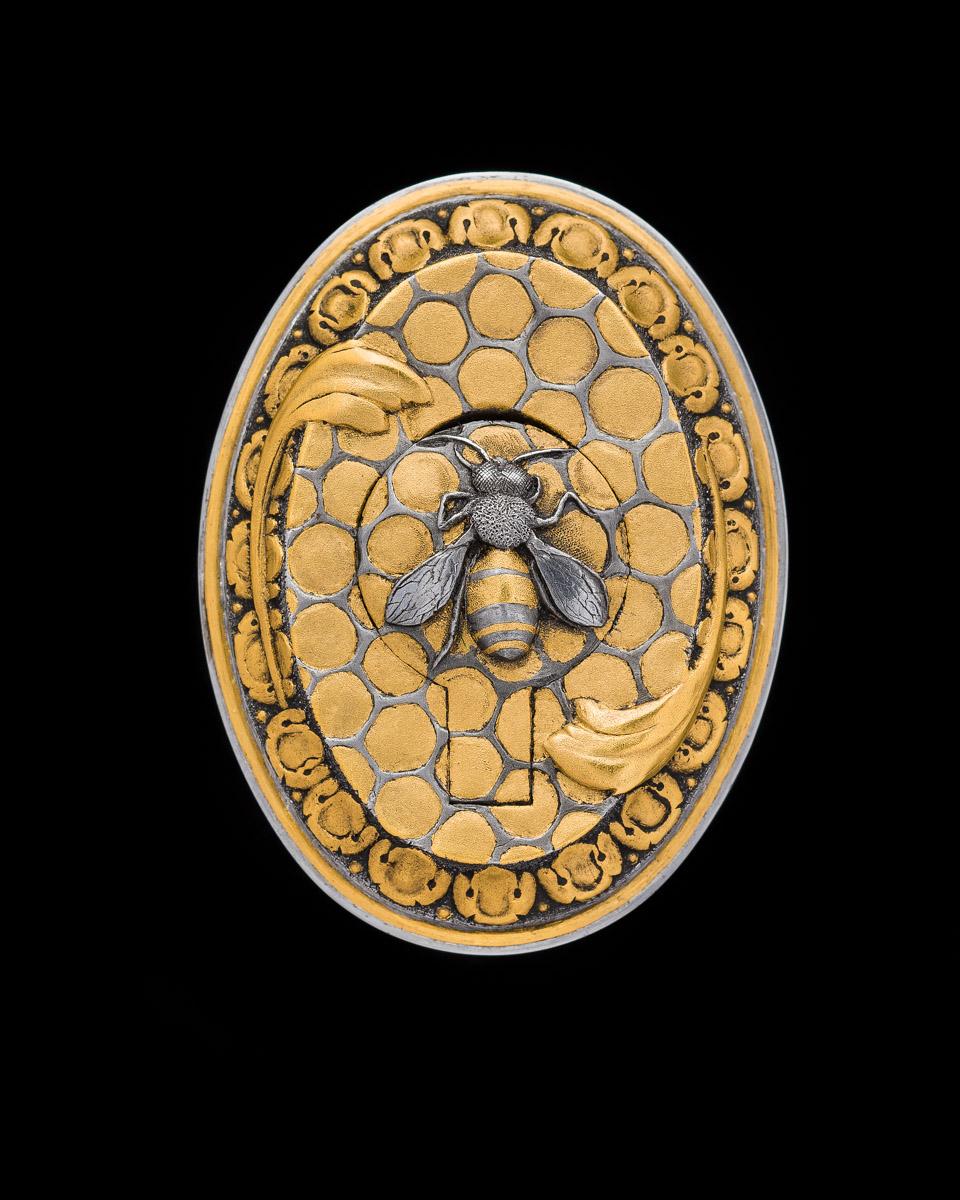 WR - Grip Cap Bee Engraving (1 of 2)